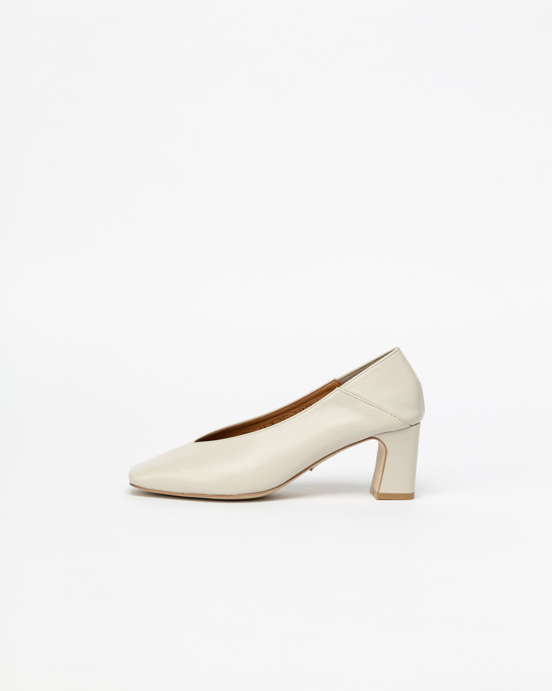 Michelle Pumps in Ivory Calf