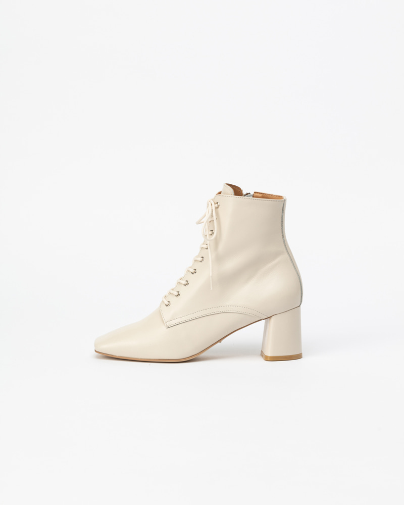 Renoir Lace-up Boots in Ivory Kip