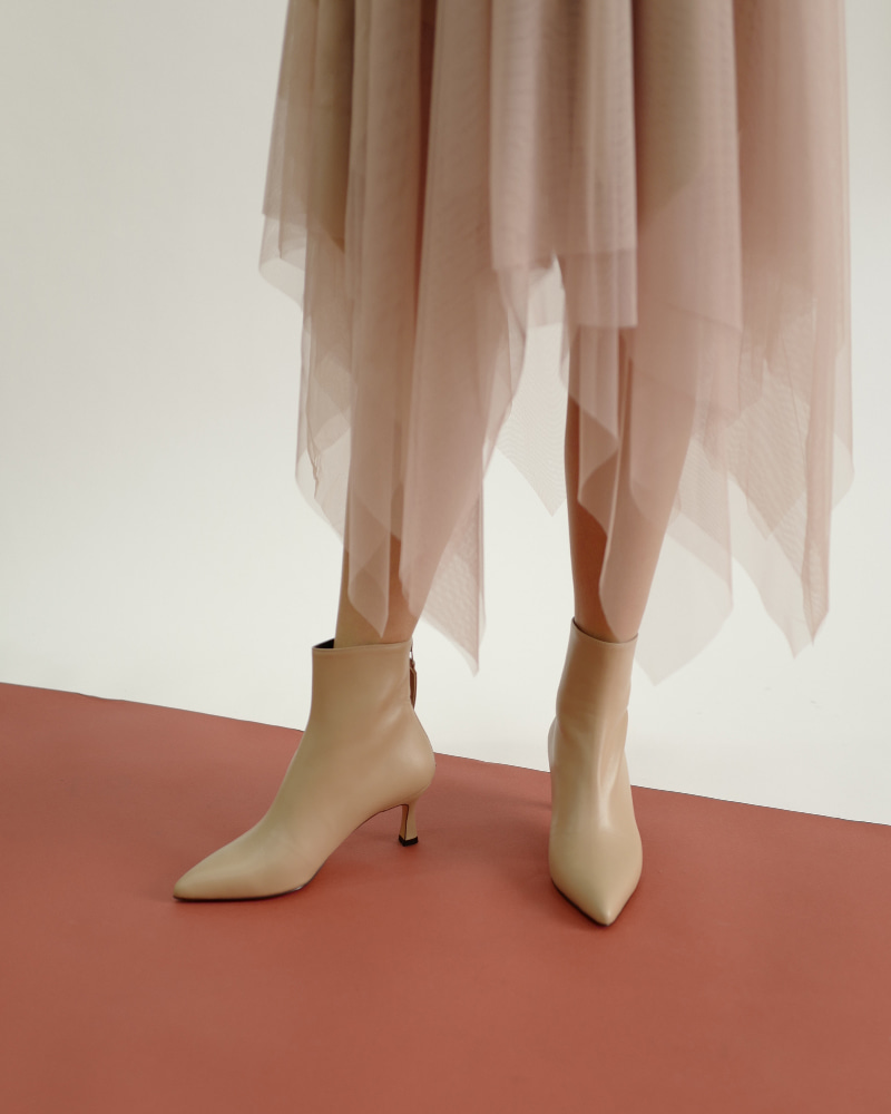 ThePin Boots in Light Pink