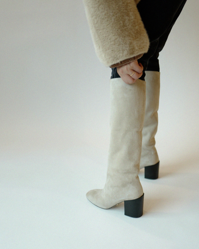 The Earth Suede Boots in Ivory