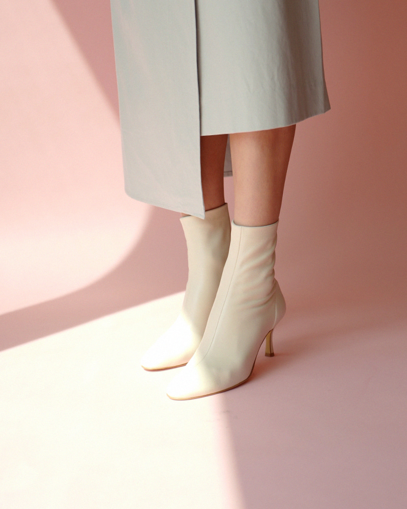 Rubens Super Soft Boots in Ivory