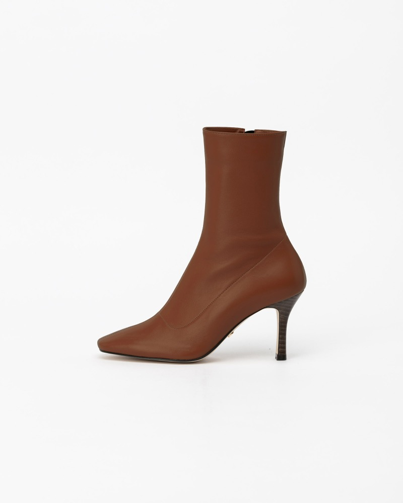 Bysshe Soft Boots in Tender Brown