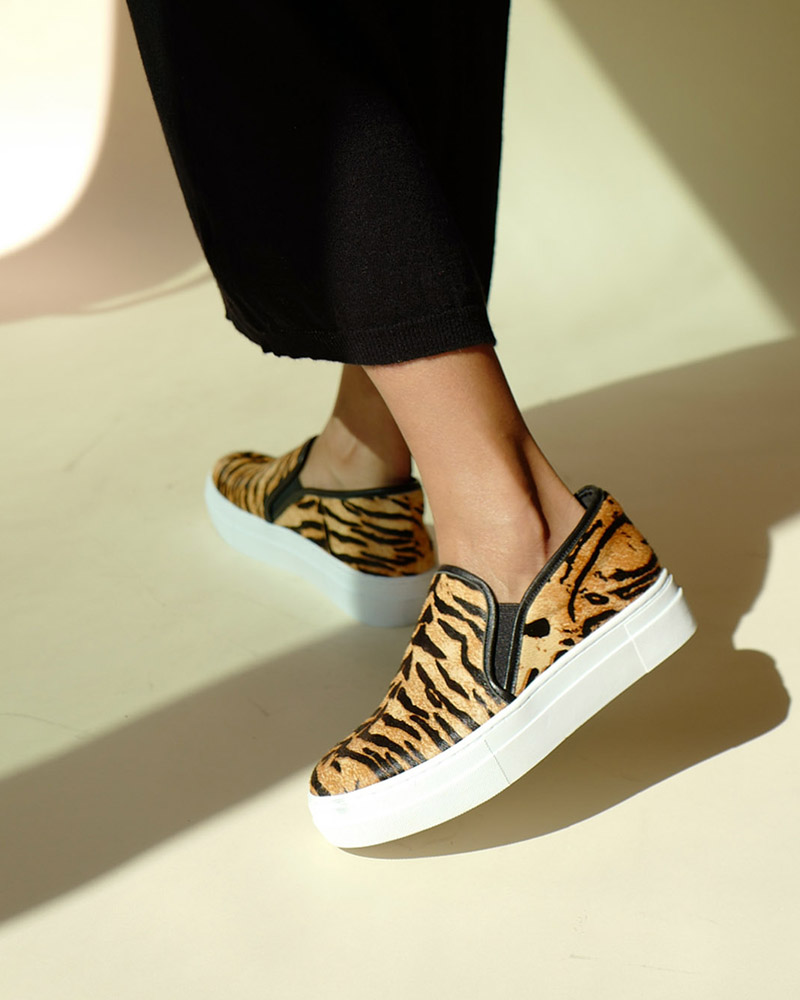 Norma Hair Slip-on Snekaers in Tiger Prints