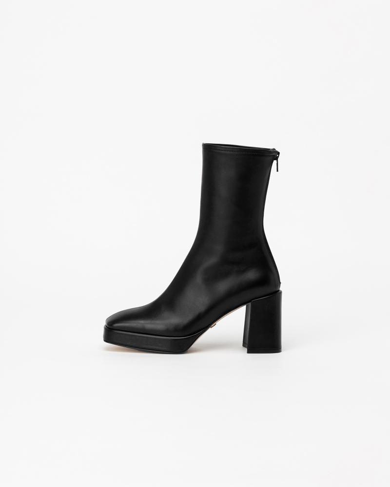 Festas Platform Boots in Regular Black