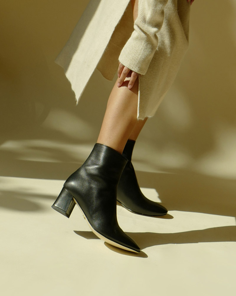 Soleil Medio Boots in Regular Black