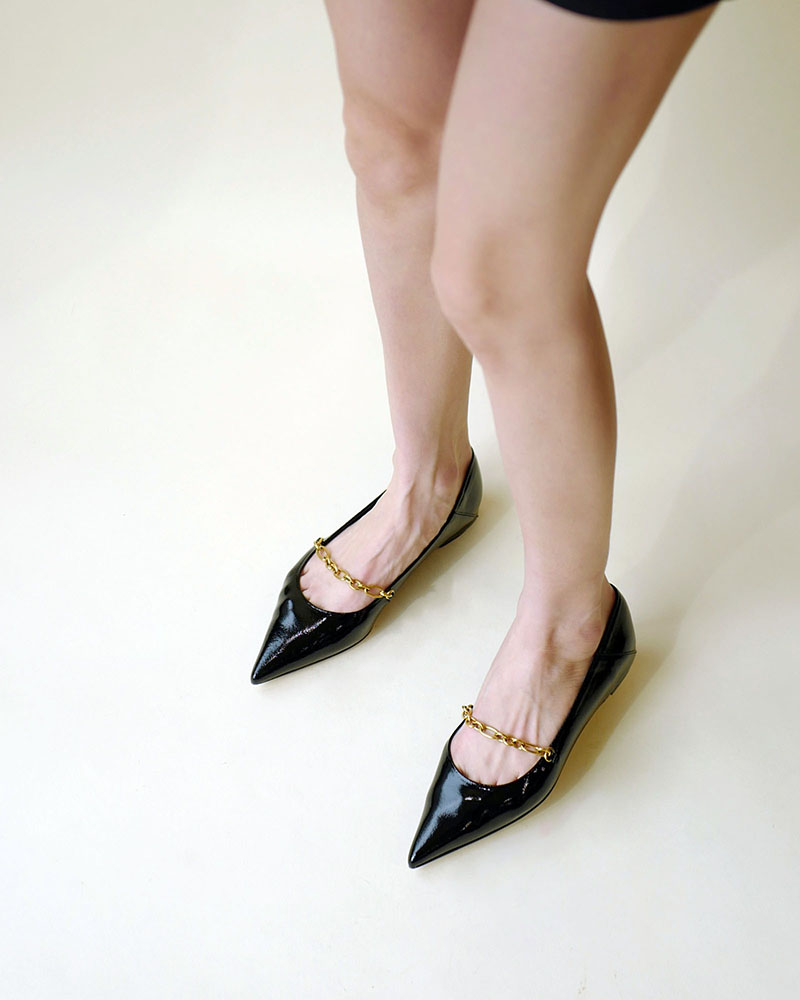 Chateau Chained Flat Shoes in Black Wrinkled Patent