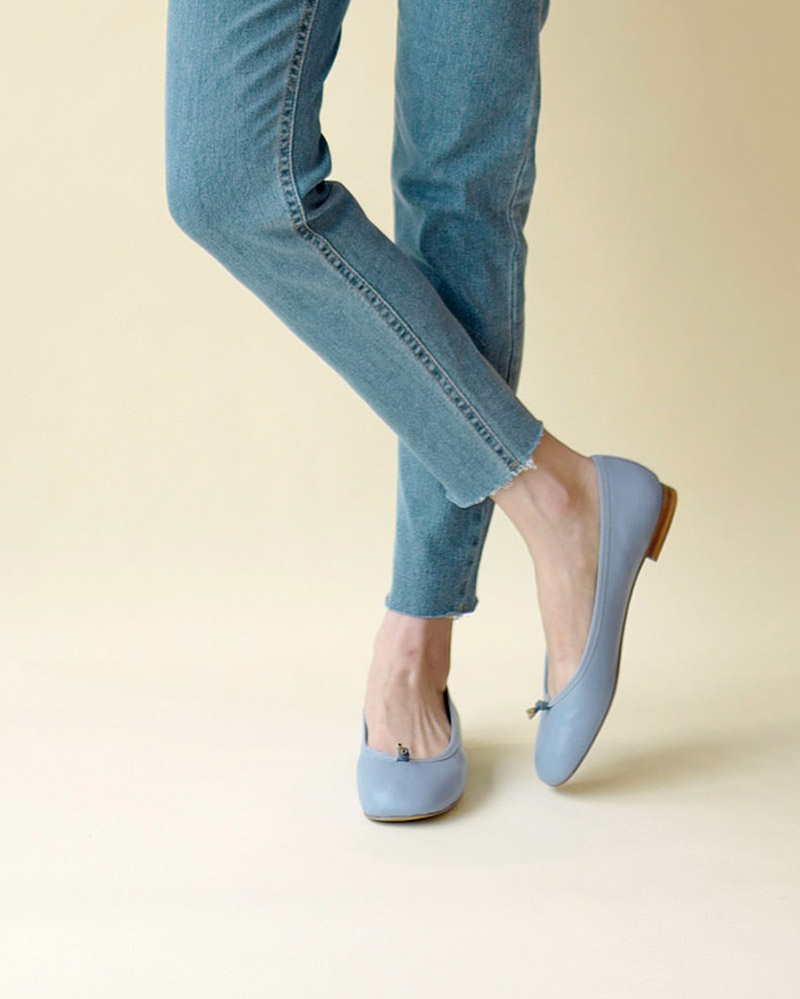 Meringue Soft Flat Shoes in Chambray Blue