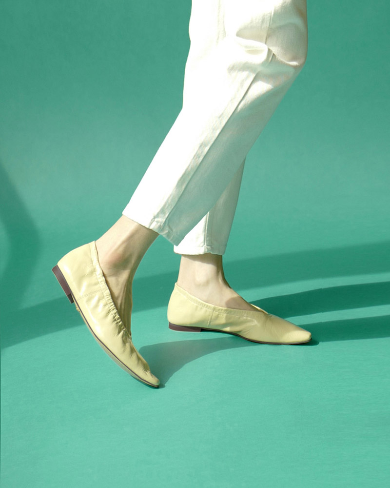 Arnaud Soft Flat Shoes in Wrinkled Yellow