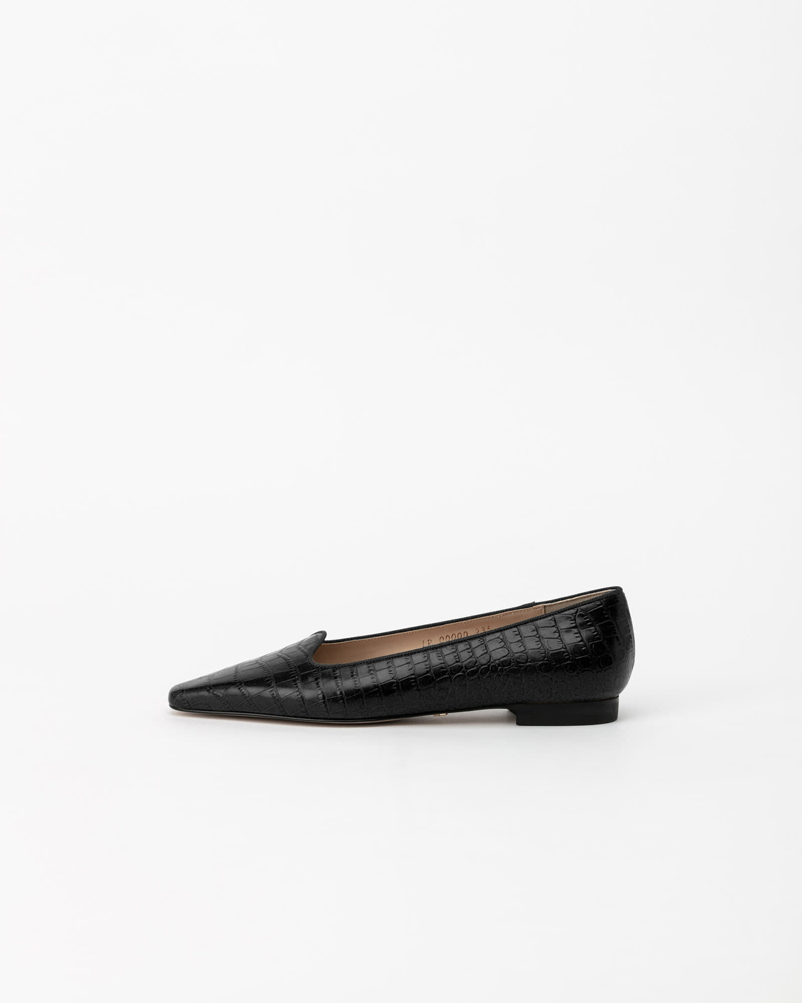 Tanoa Flat Shoes in Black Croco Prints