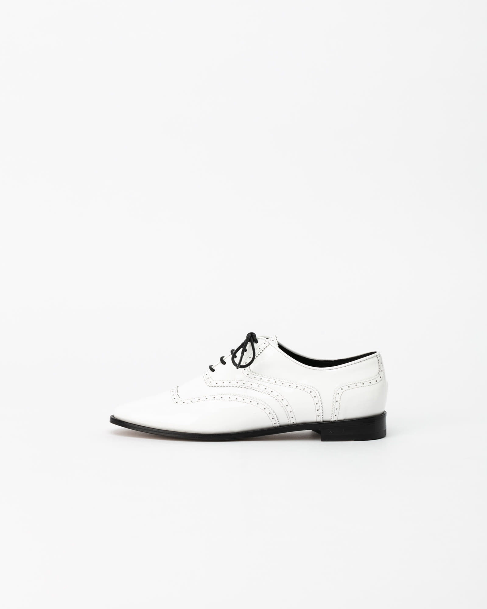 Celsius Oxford Shoes in White Patent