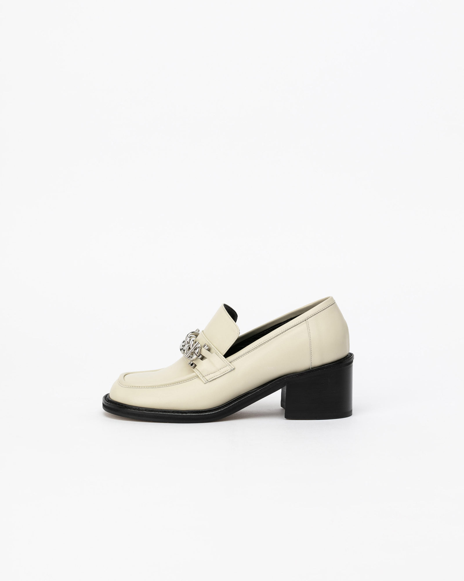 Gutissimo Loafers in Ecru Ivory