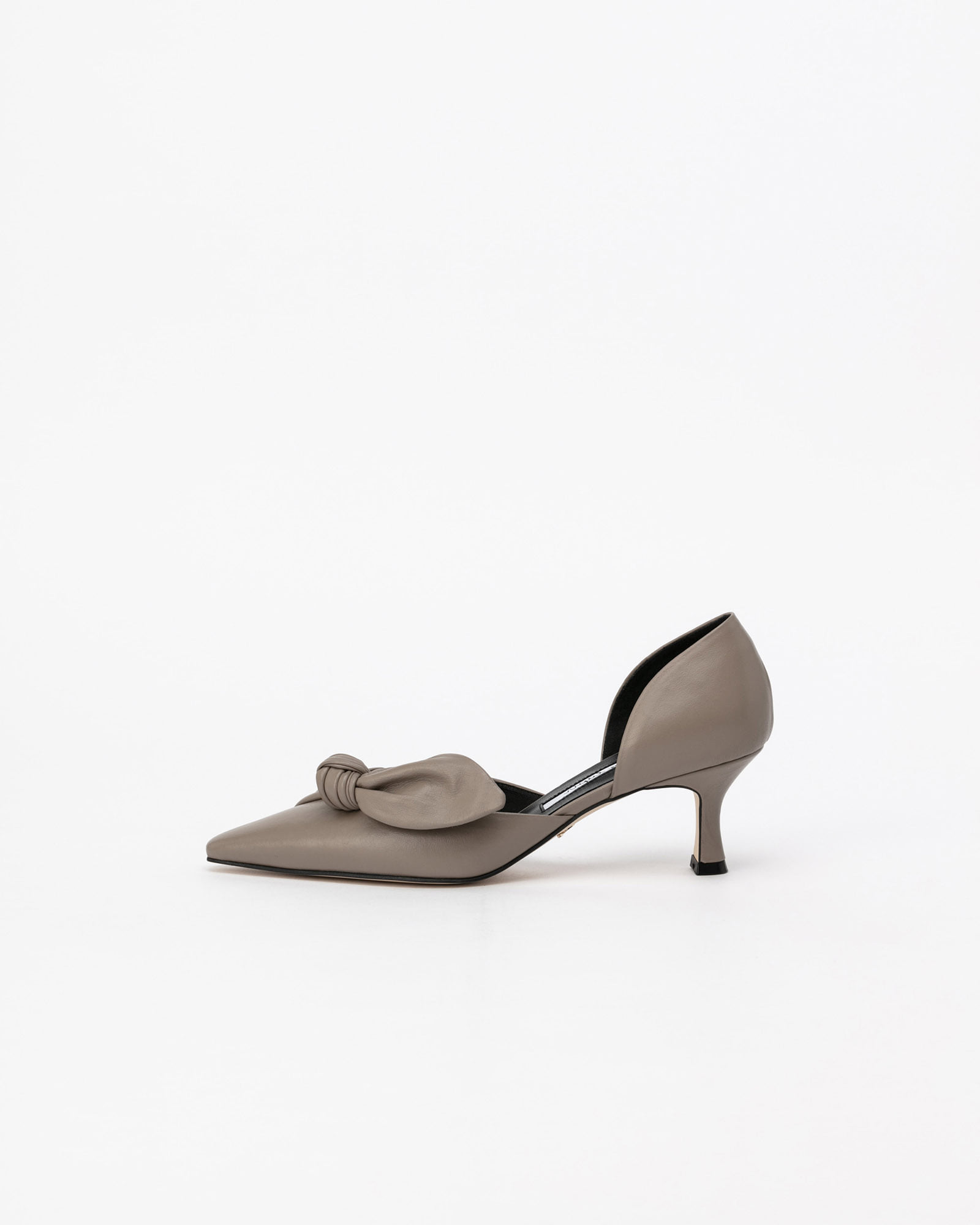 Ventuno Side-cut Pumps in Abalone Gray