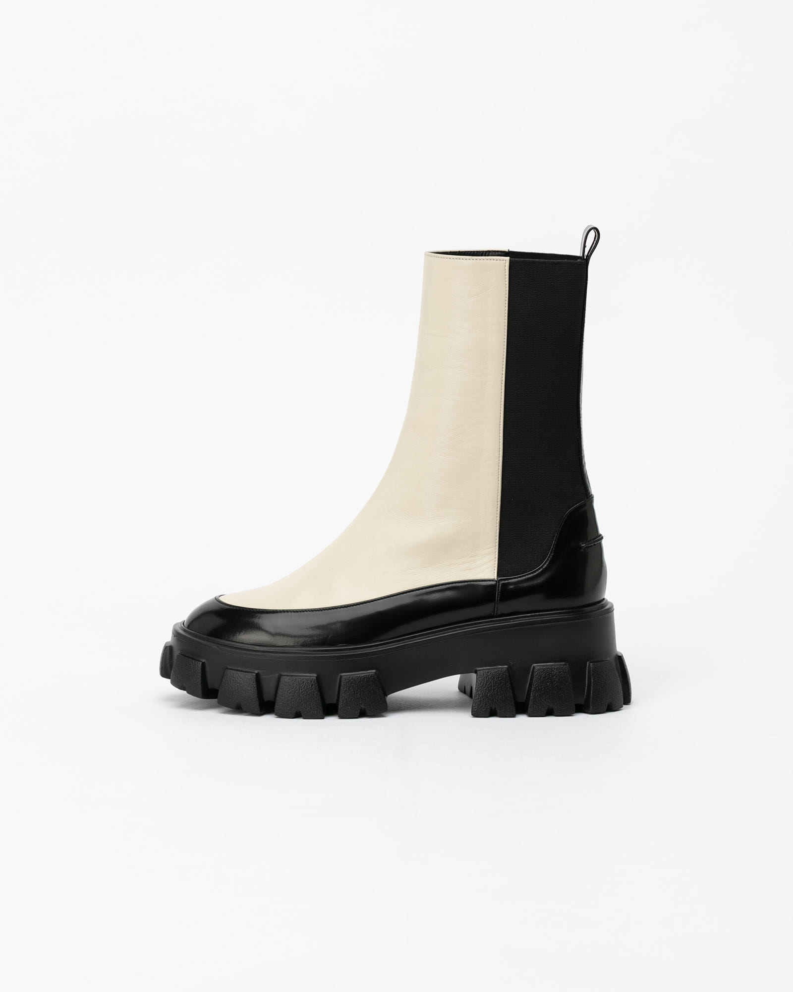 Trojan Lug-sole Chelsea Boots in Ivory