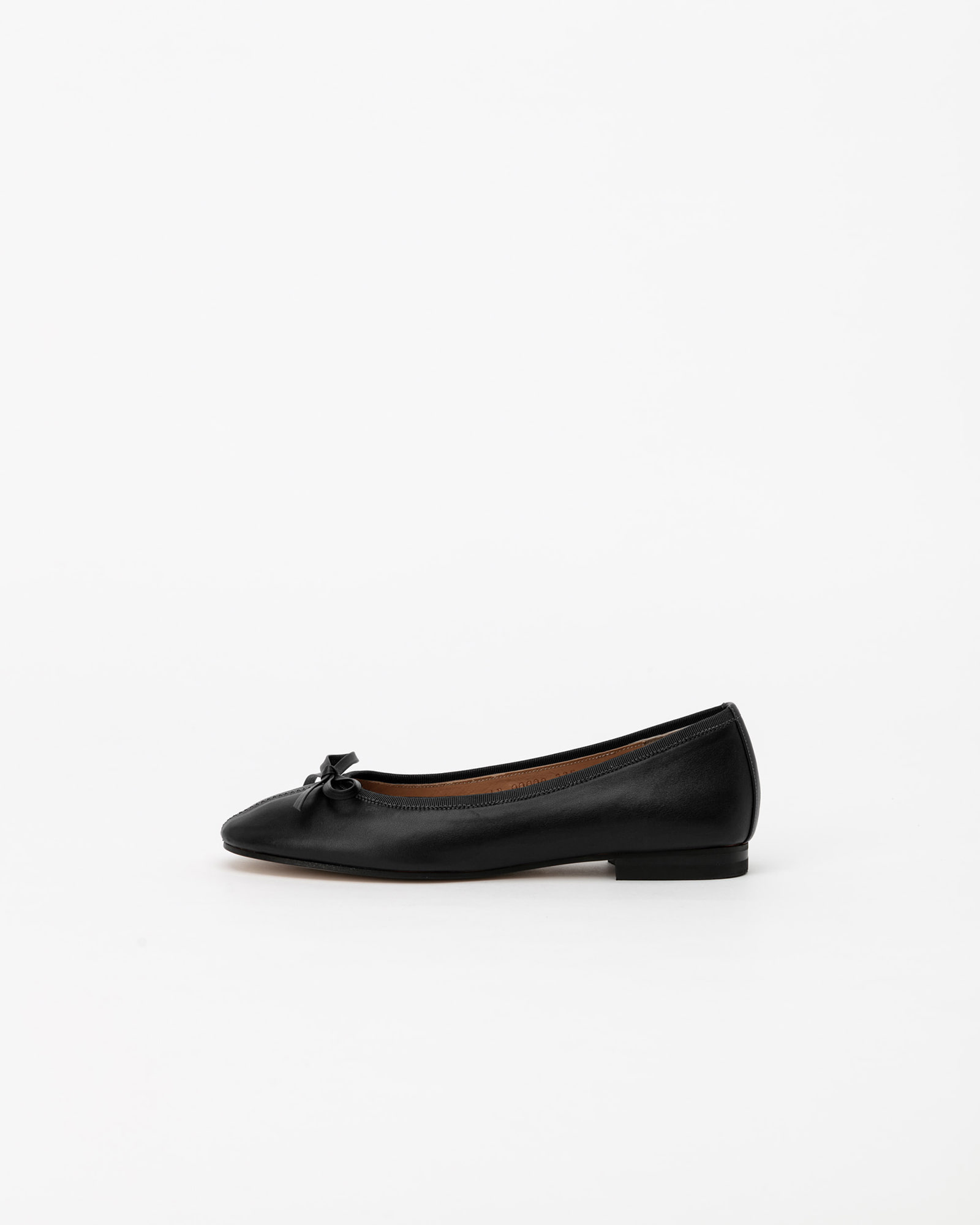 Urbana Flat Shoes in Black