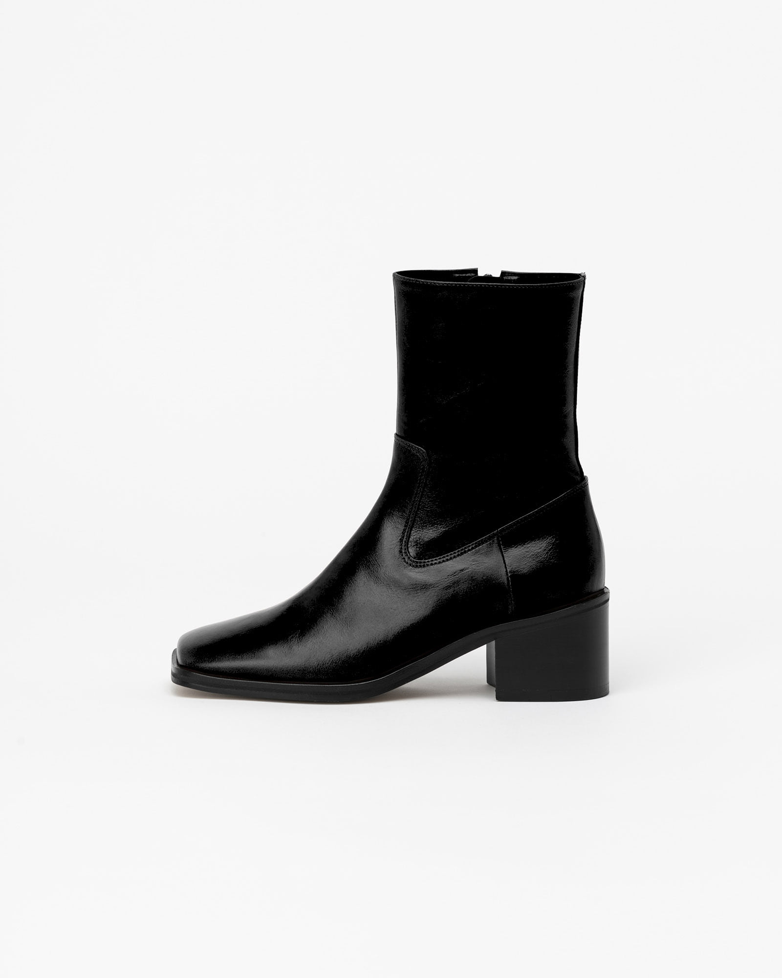 Ramos Boots in Textured Black