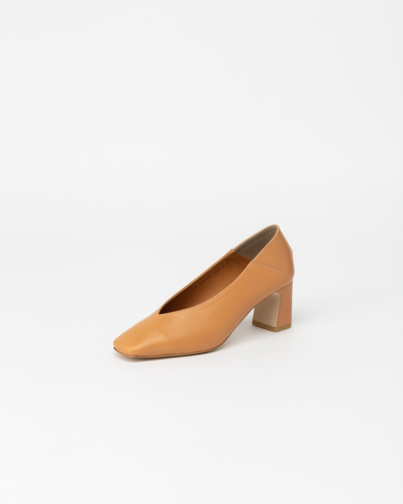 Michelle Pumps in Coral Beige Calf