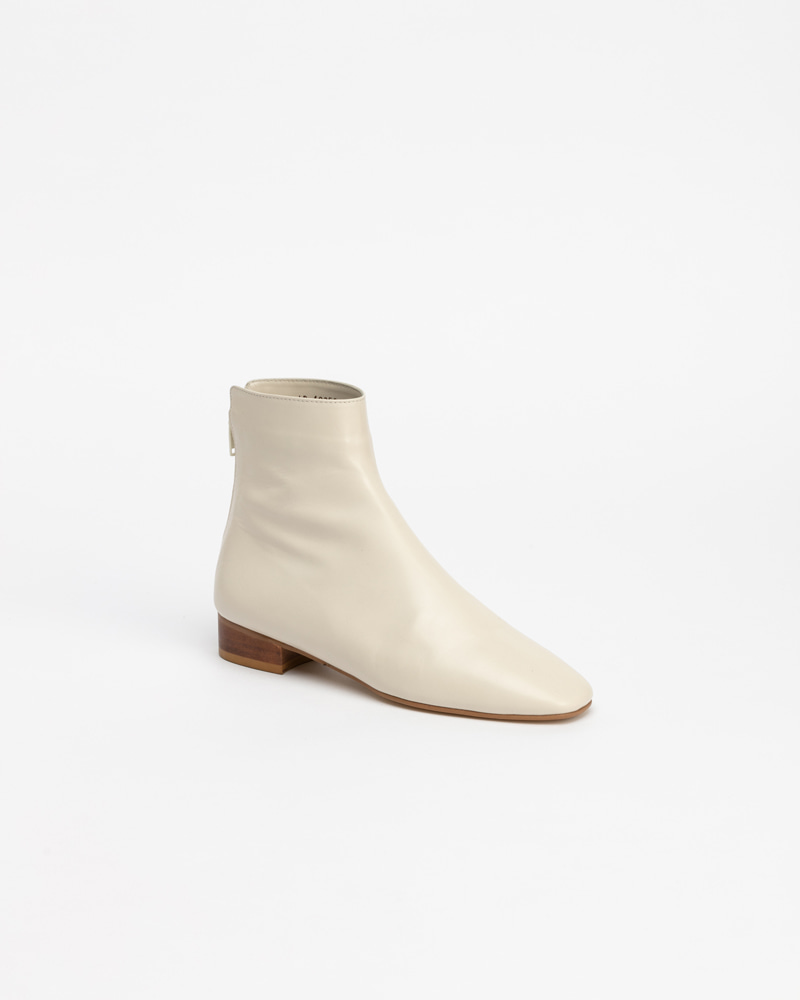 Allegory Boots in Ivory Kip