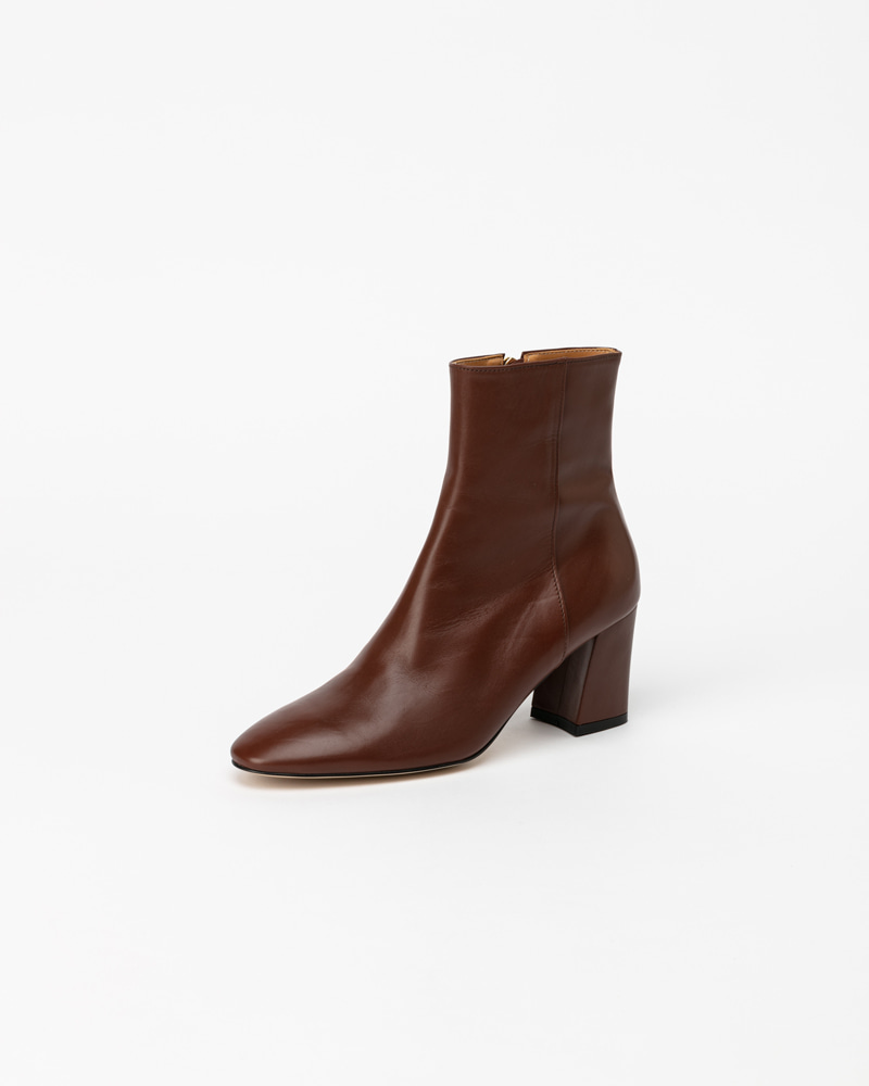 Soleil Boots in Brown Calf