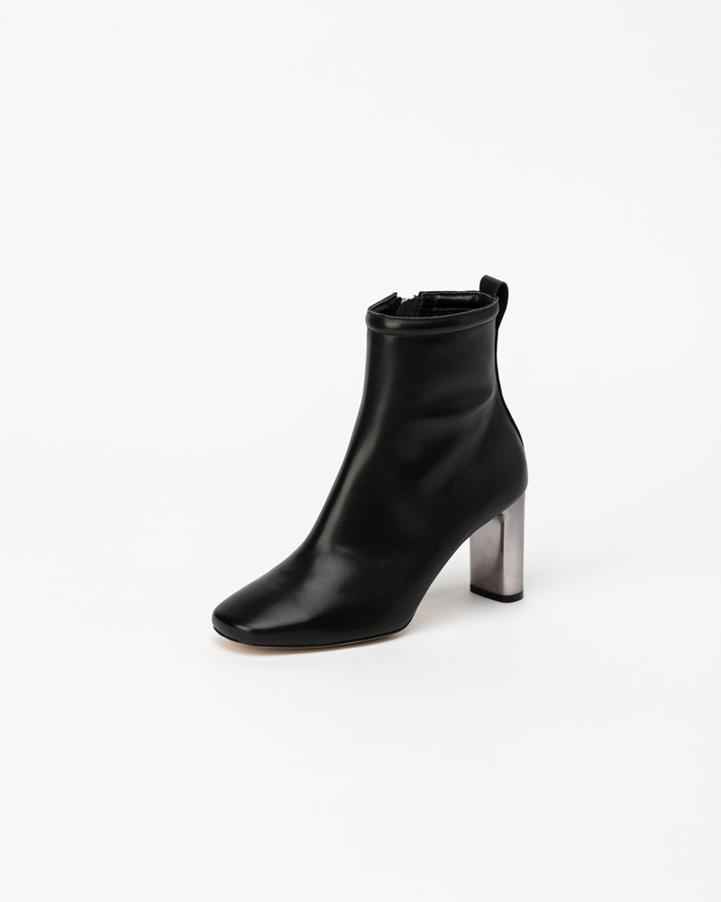 Silverlette Boots in Black