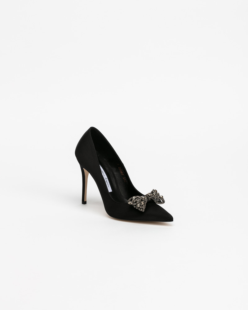 Dalpin Jeweled Pumps in Black