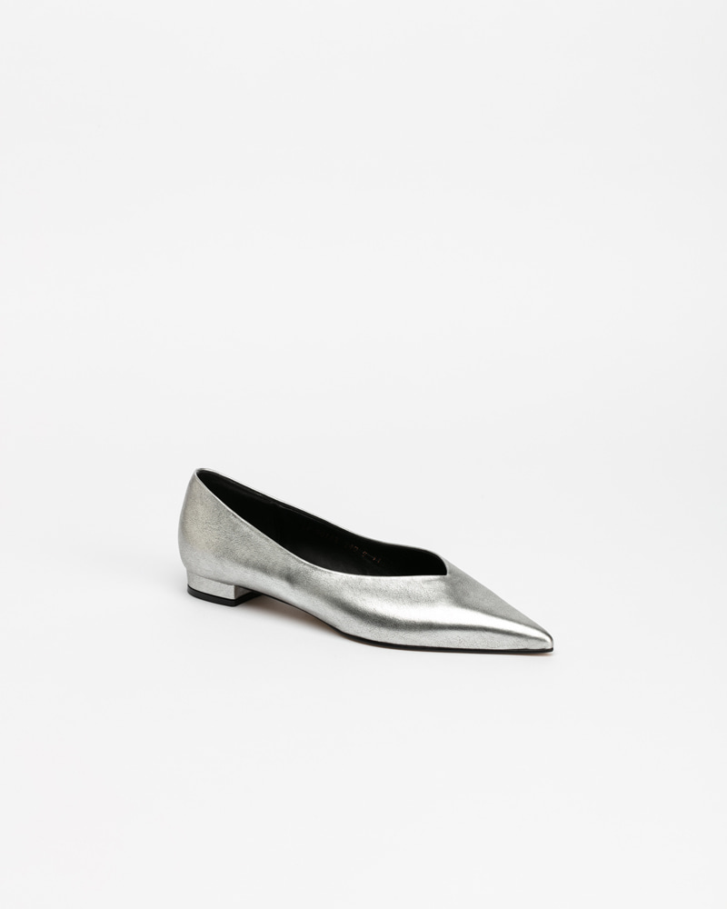 Yves Flat Shoes in Silver