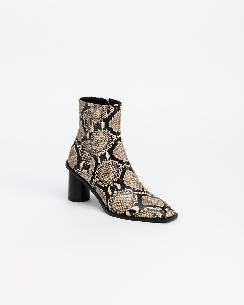 Altezza Boots in Ivory Python