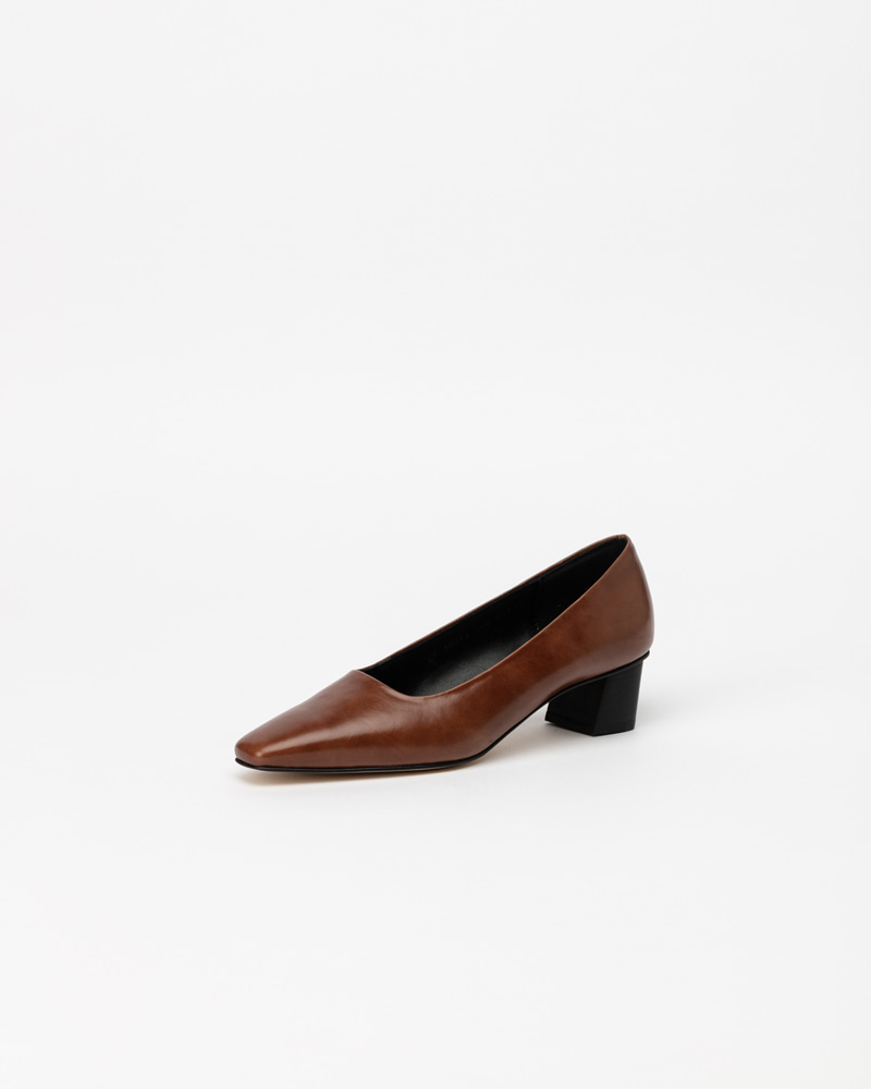 Bruin Pumps in Brown