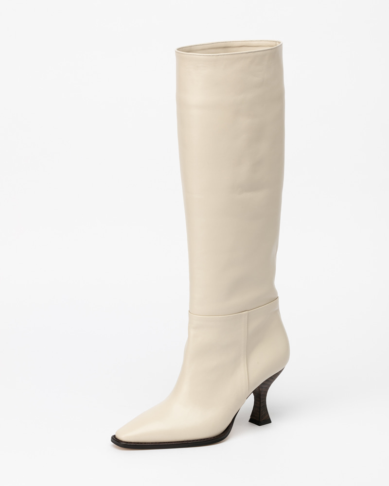 LaBien Boots in Ivory