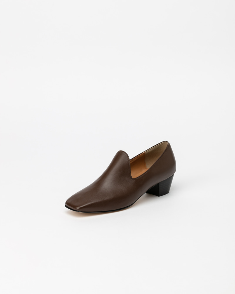 Ailey Slip-on Pumps in Brown