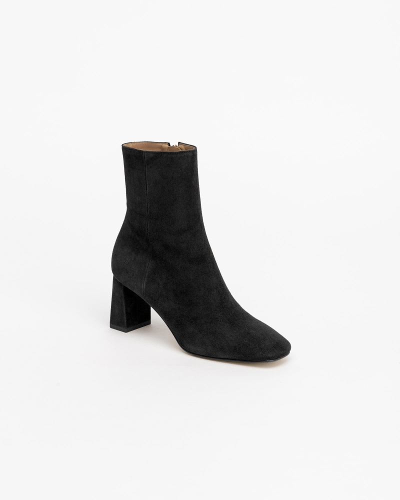Railer Boots in Black Suede