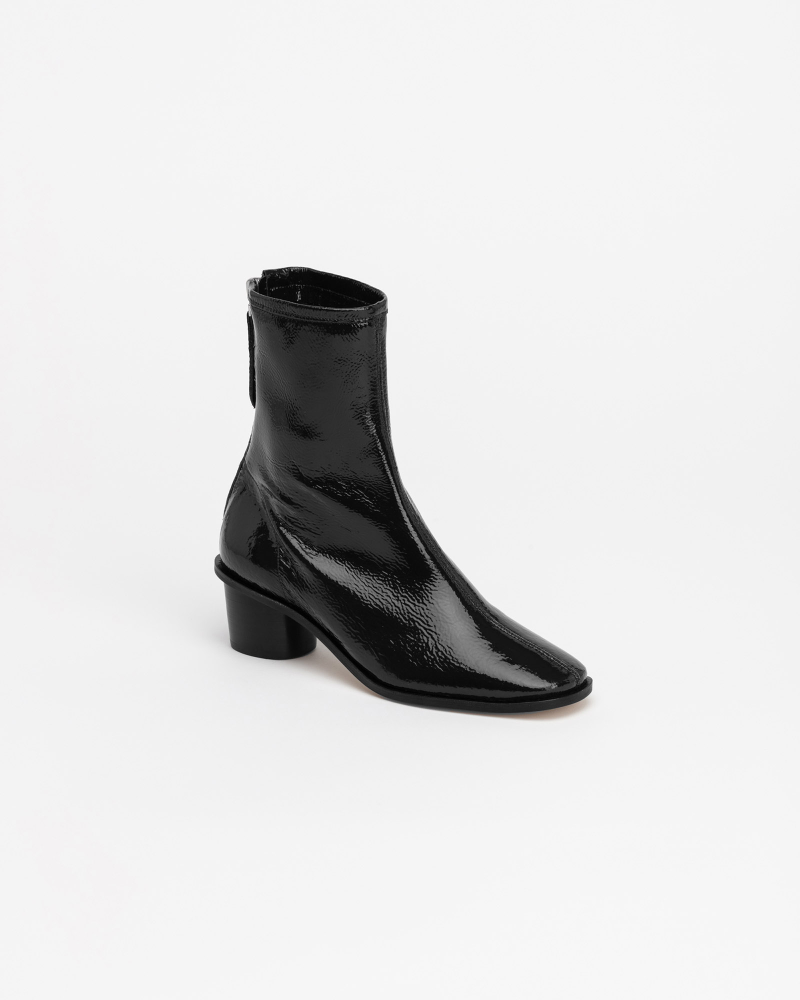 Souple Plus Soft Boots in Black Wrinkle Patent