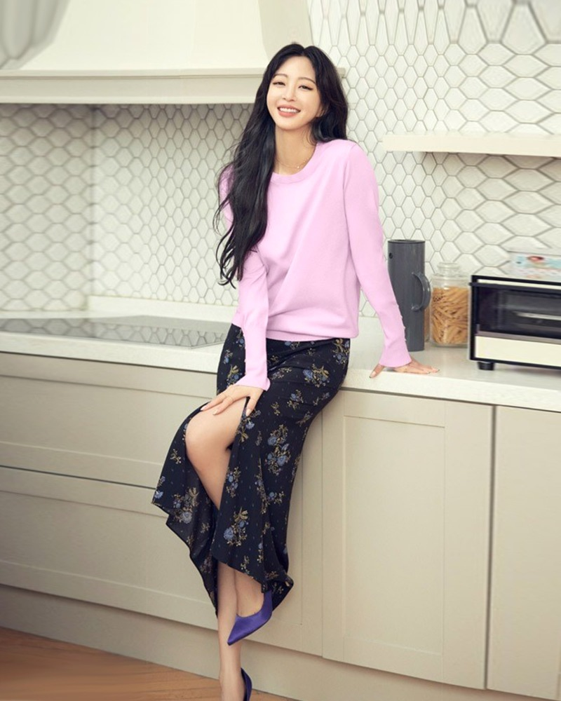 한예슬 님 / Actress Han, Yeseul with Boulon Pumps