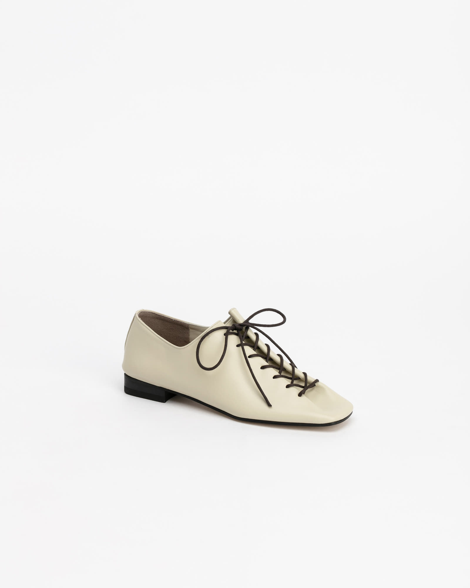 Banon Lace-up Flat Shoes in Ecru Ivory