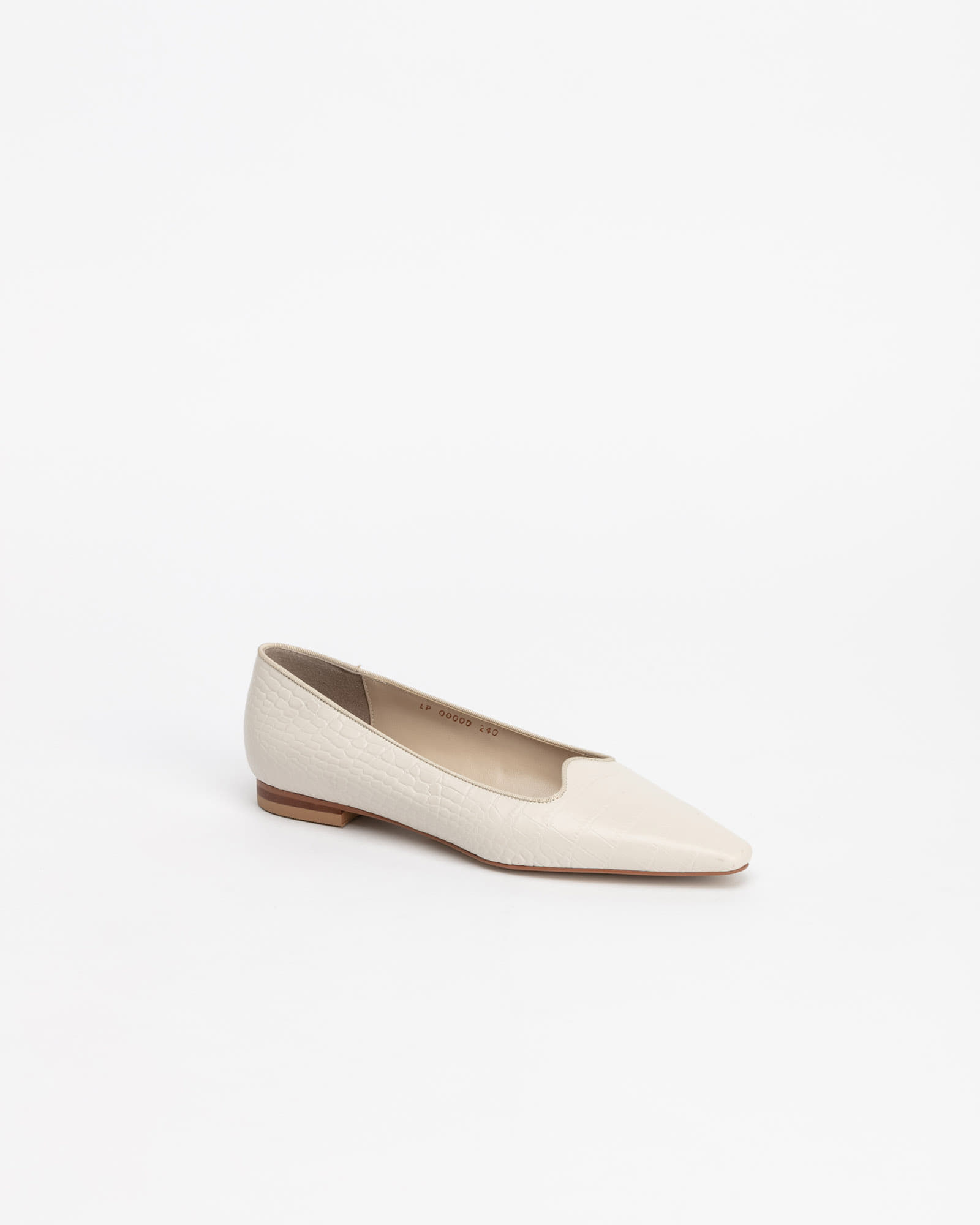 Tanoa Flat Shoes in Ivory Croco Prints
