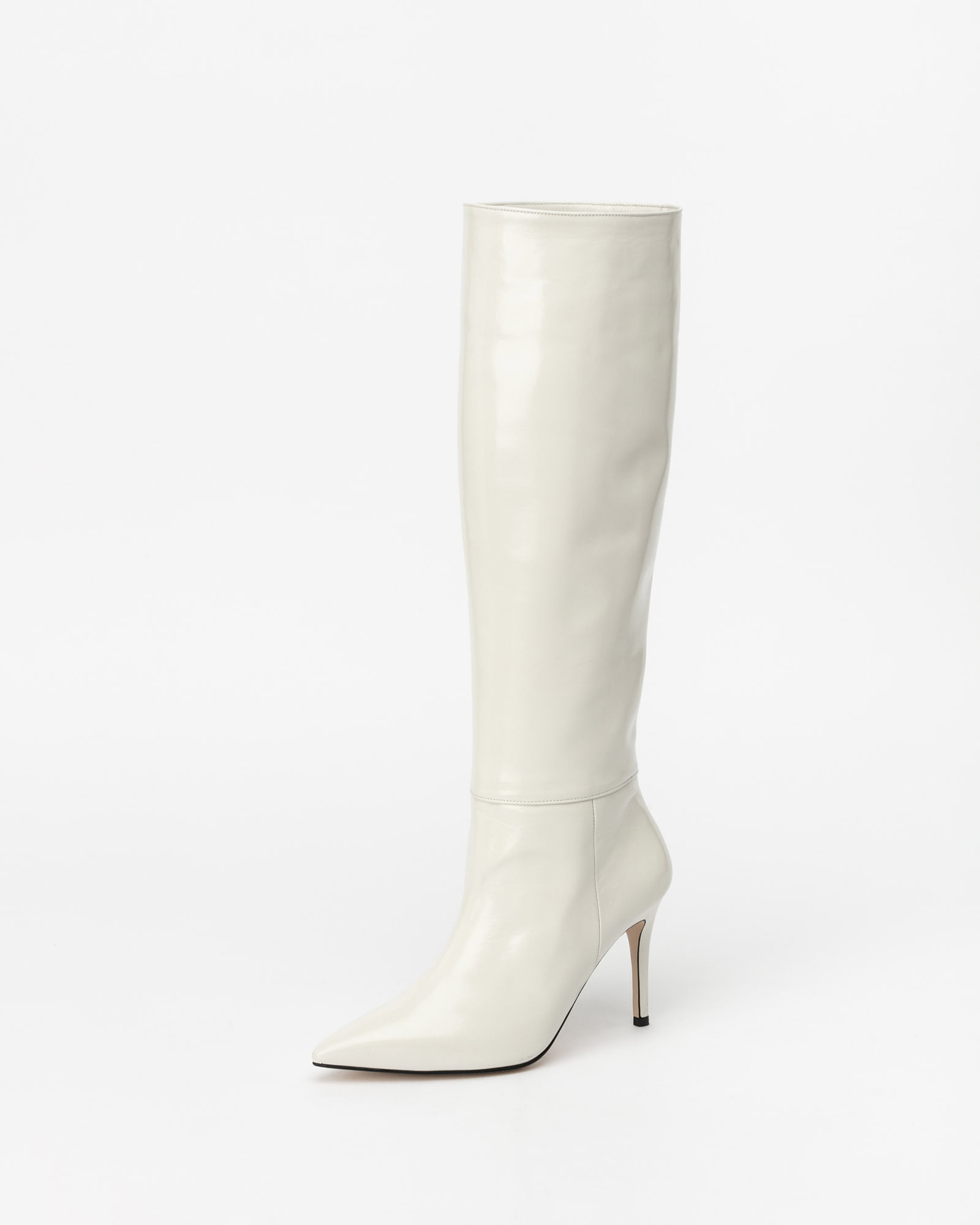 Lyrique Soft Boots in Textured Ivory