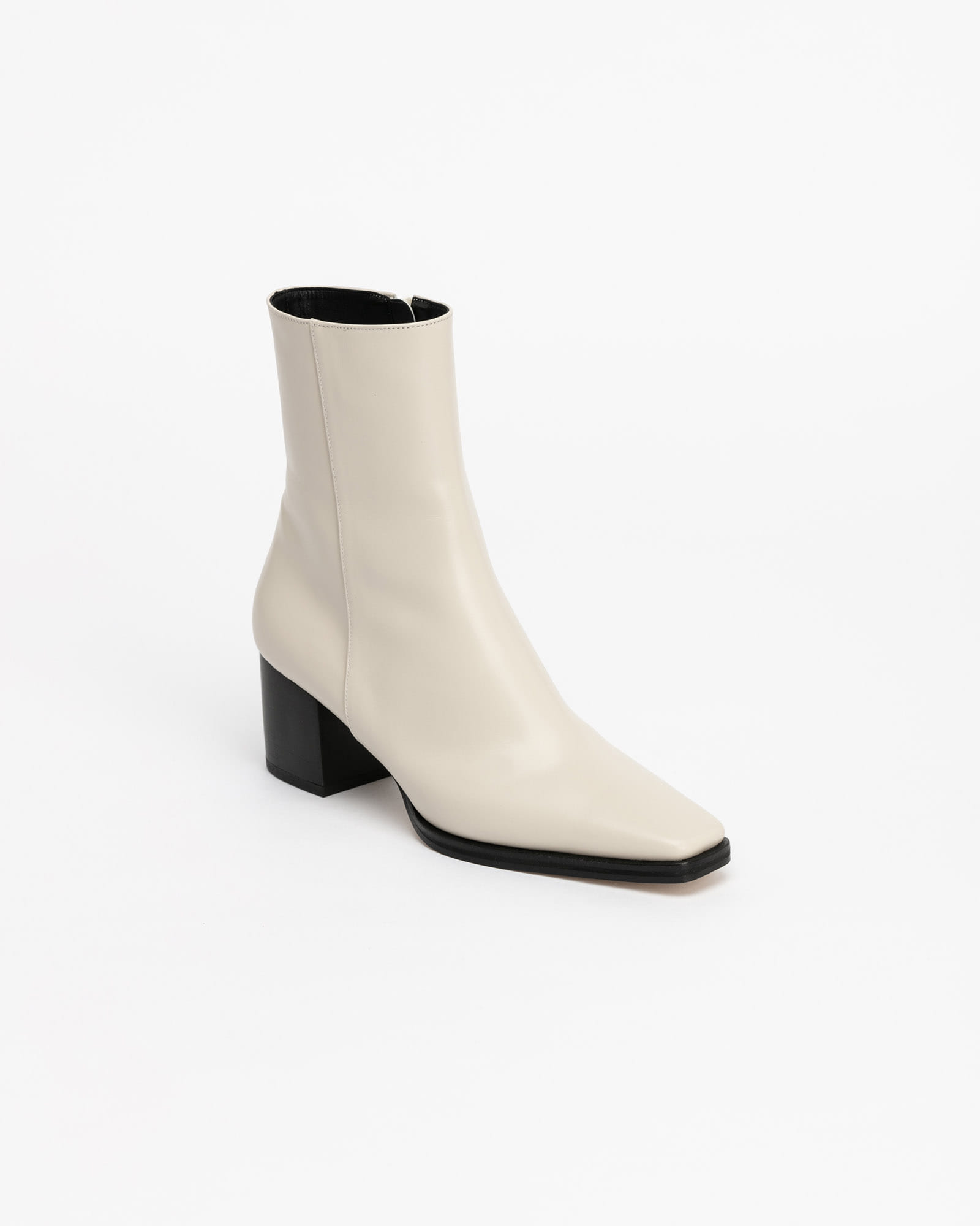 Mariana Boots in Ivory