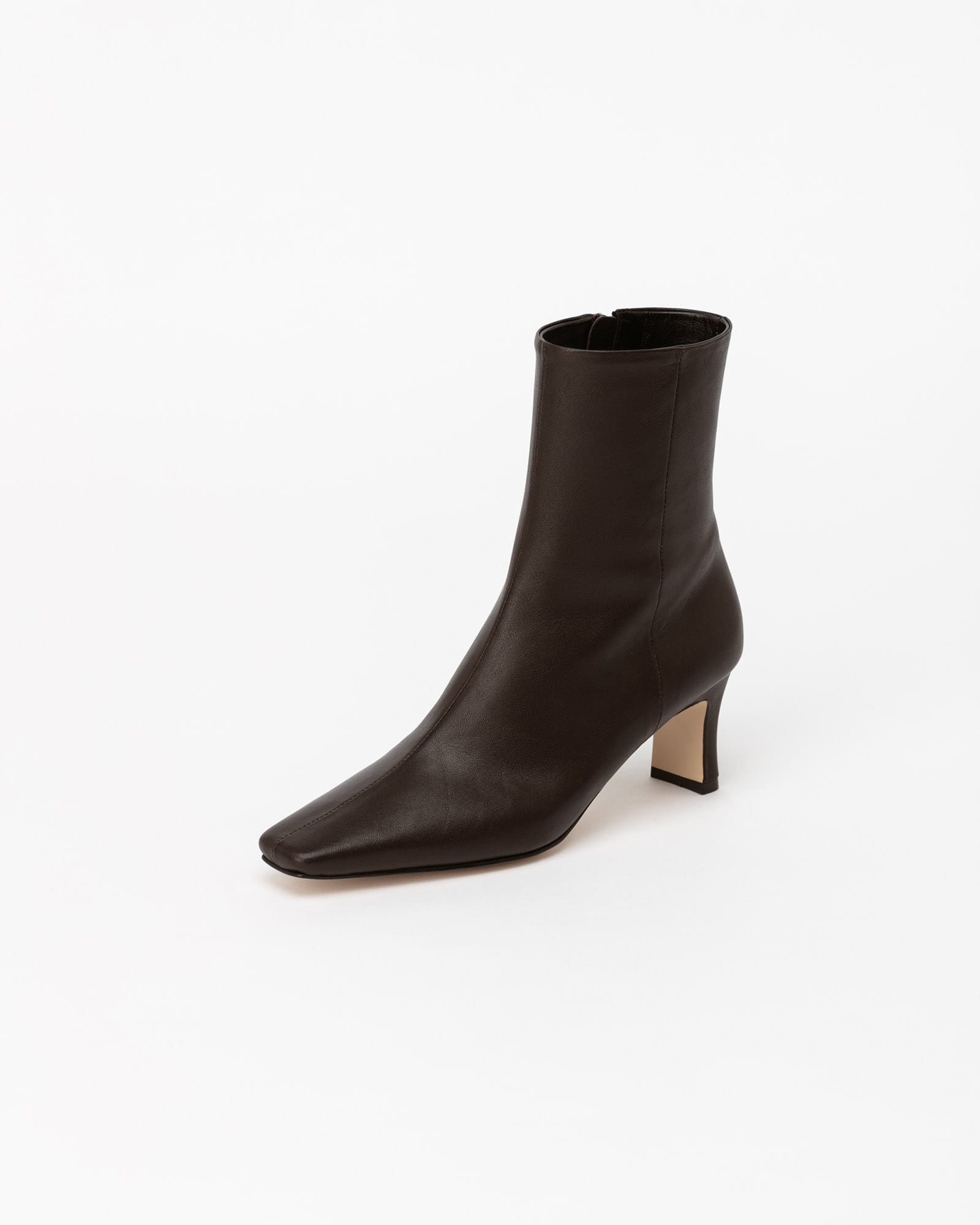 Troye Boots in Dark Brown