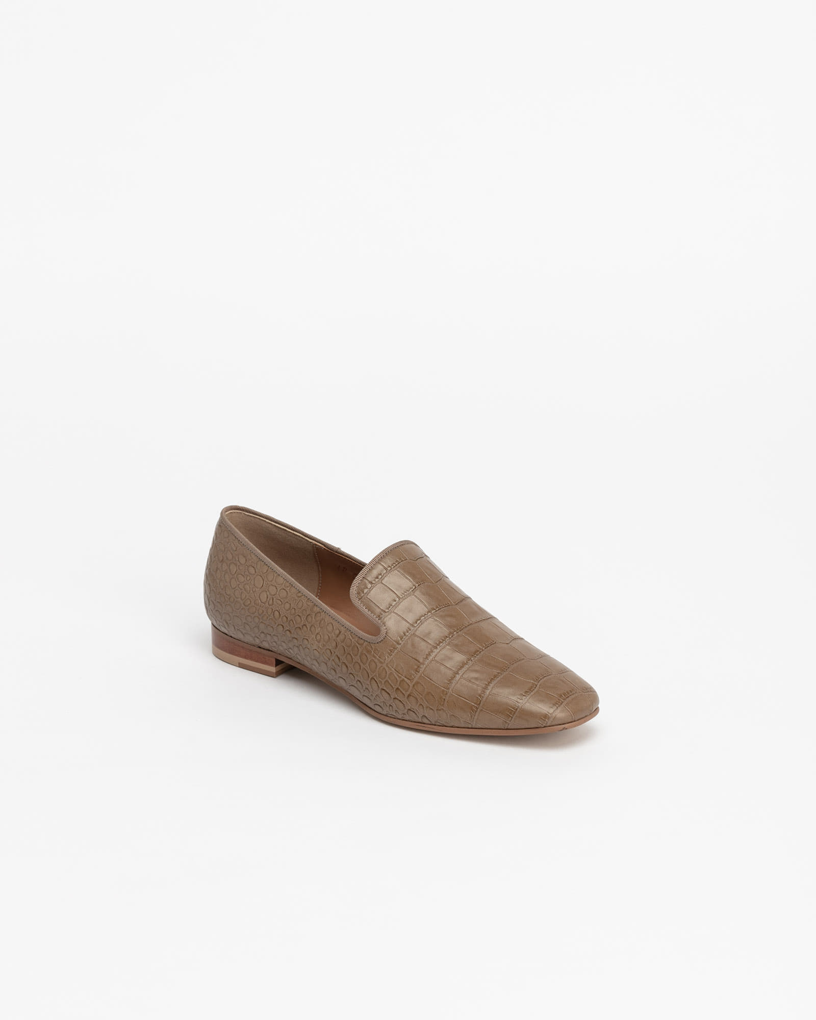 Wynne Slip-on Loafers in Beige Croco Print