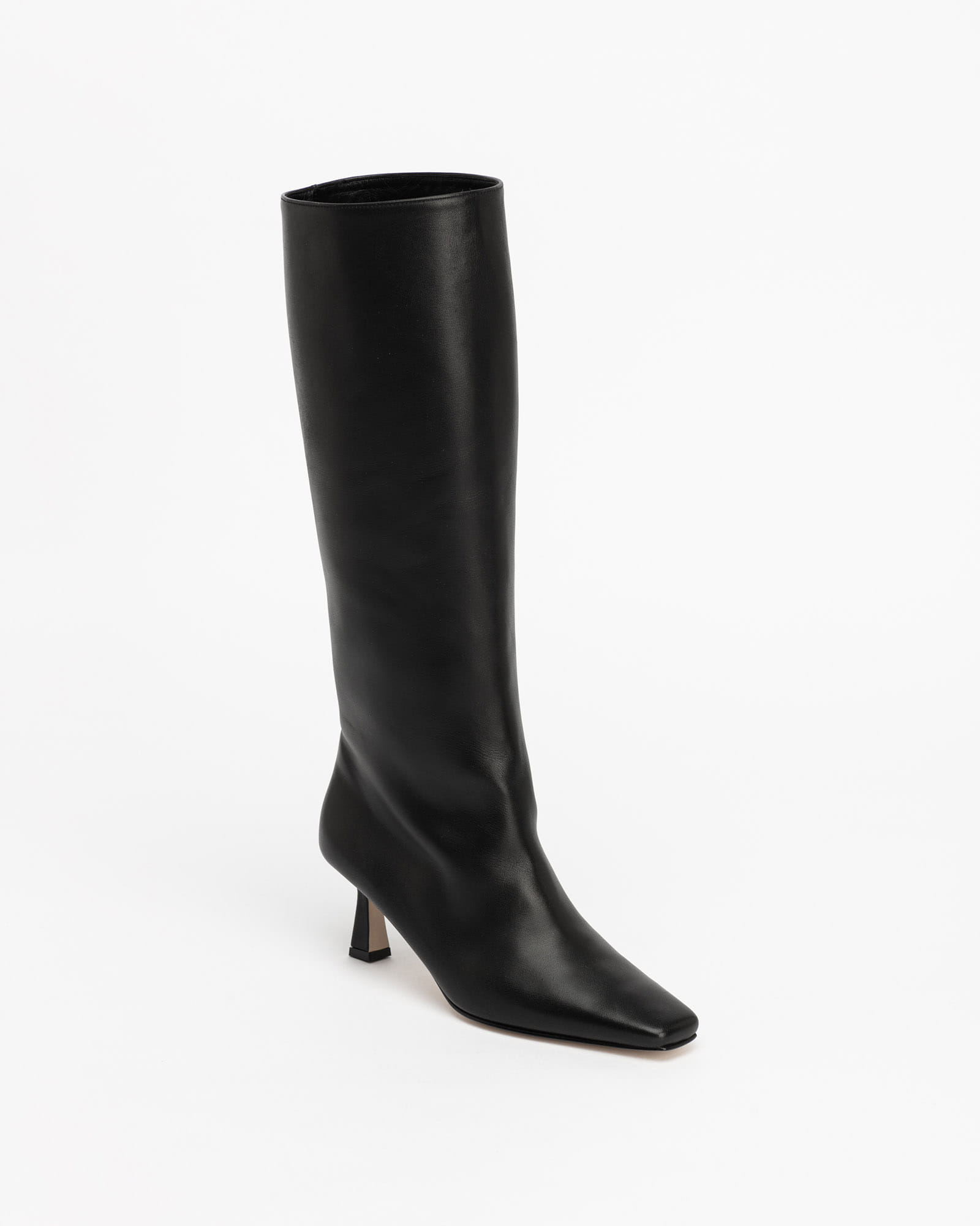 LOB Boots in Regular Black