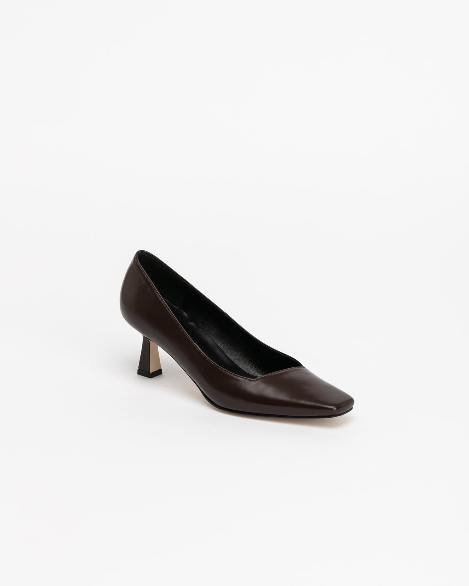 Facile Pumps in Dark Brown Box