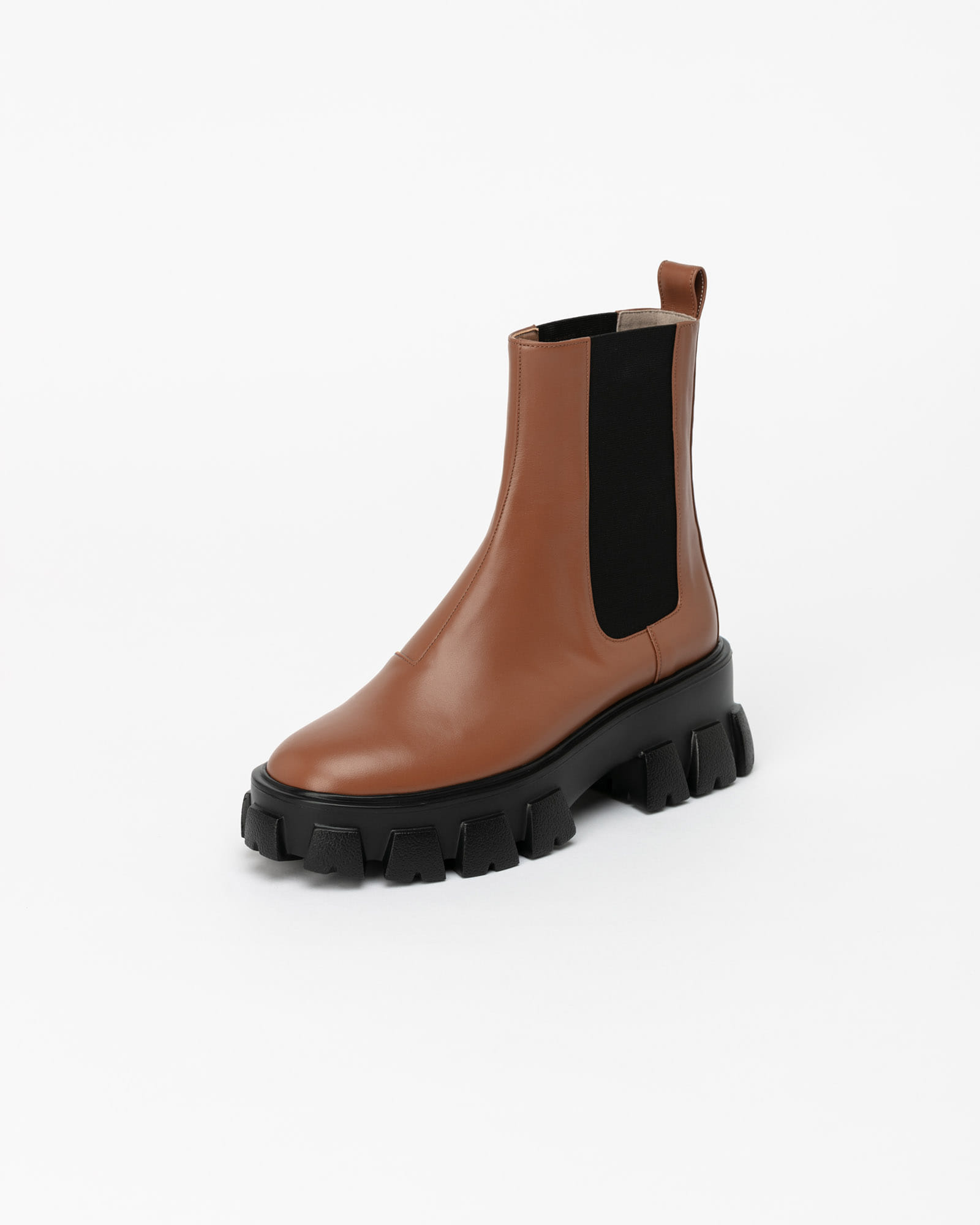 Legera Lug-sole Chelsea Boots in Starfish Camel