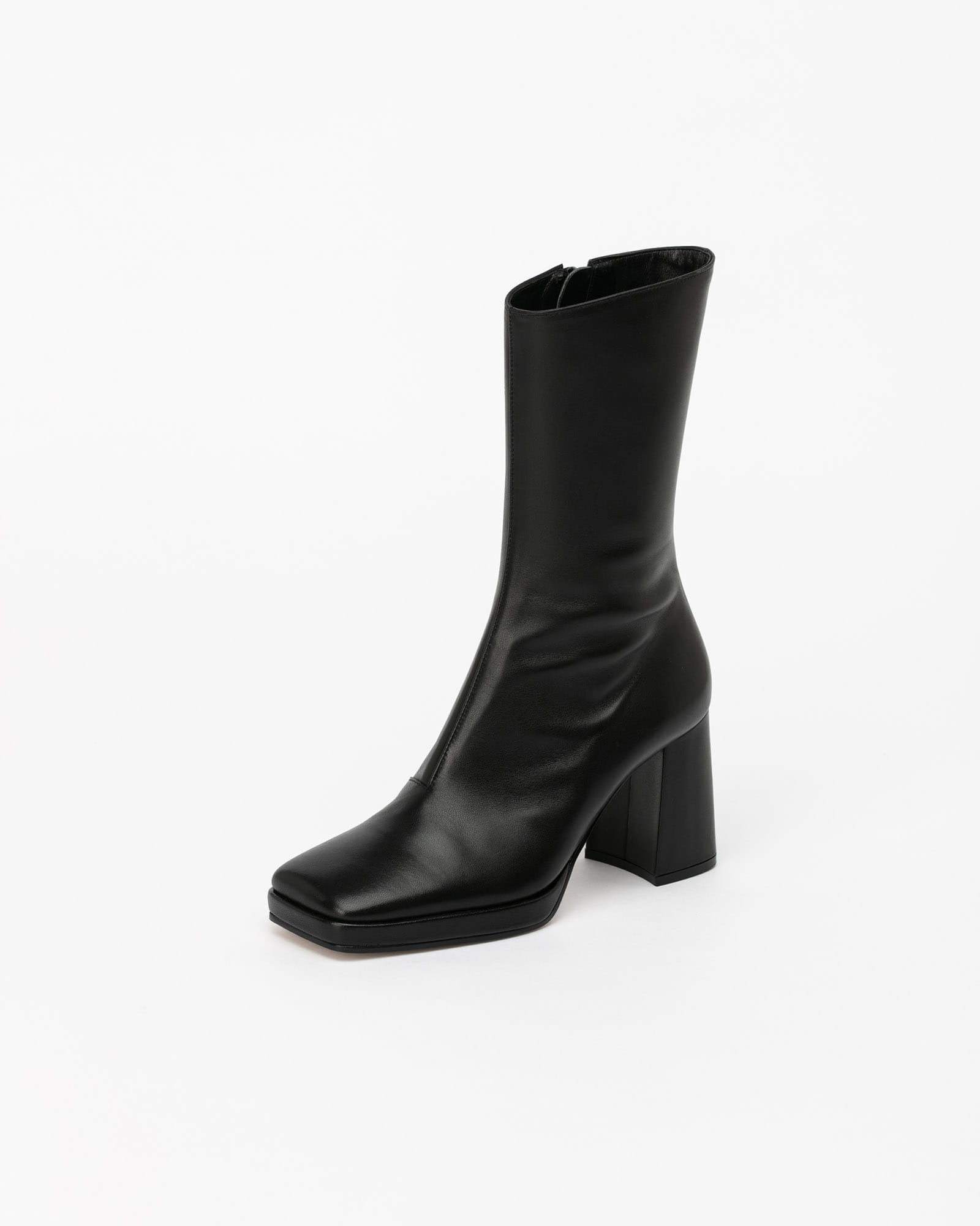 Catus Boots in Regular Black