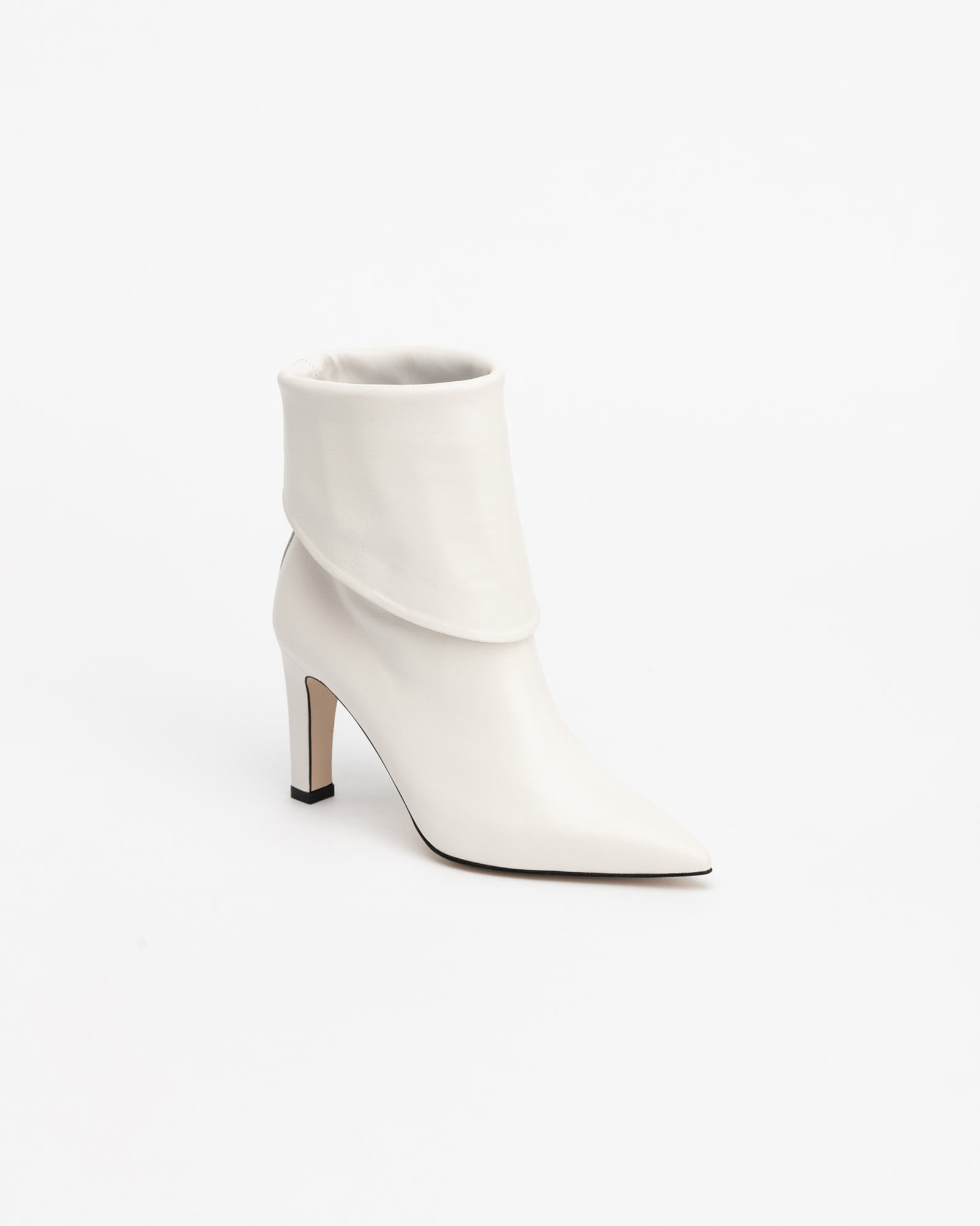 LeMieux Foldable Boots in Pure White