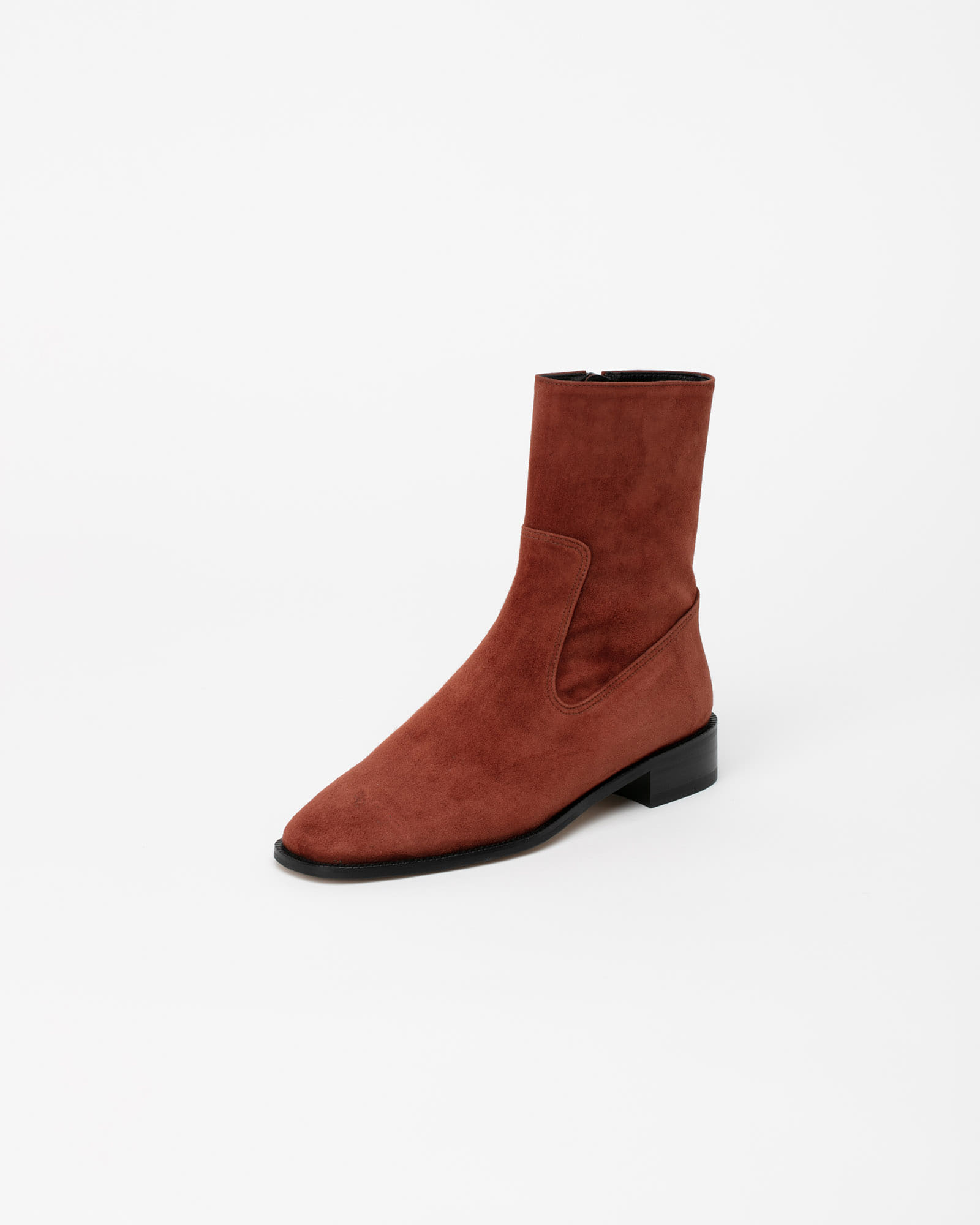 Corbeau Flat Boots in Chestnut Brown Suede