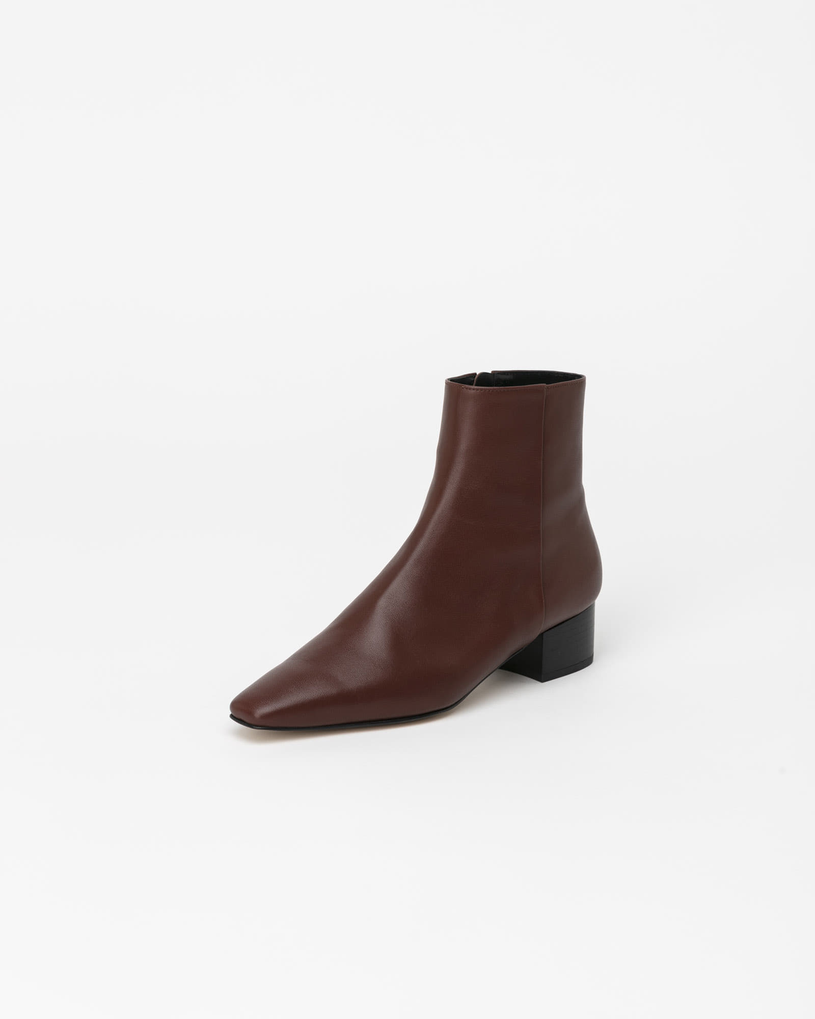 Karluv Boots in Tender Brown