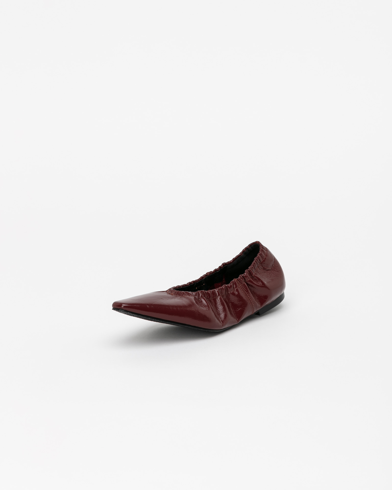 Arnaud Soft Flat Shoes in Wrinkled Wine