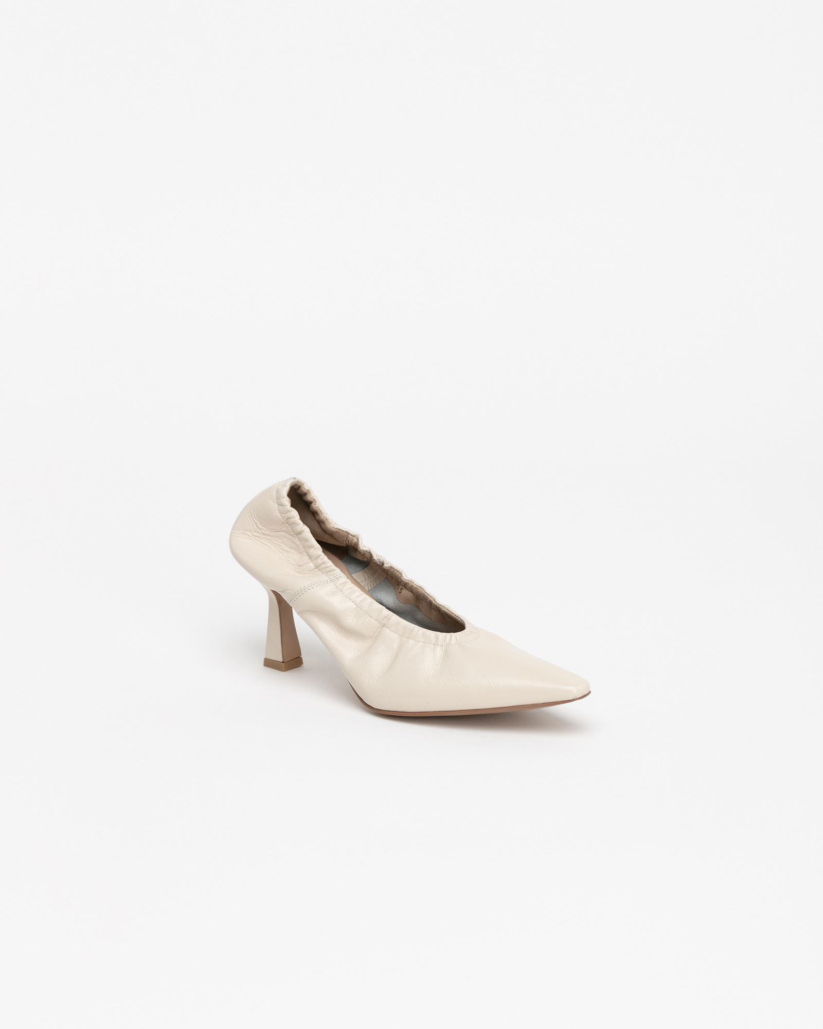 Arnaud Soft Pumps in Wrinkled Ivory