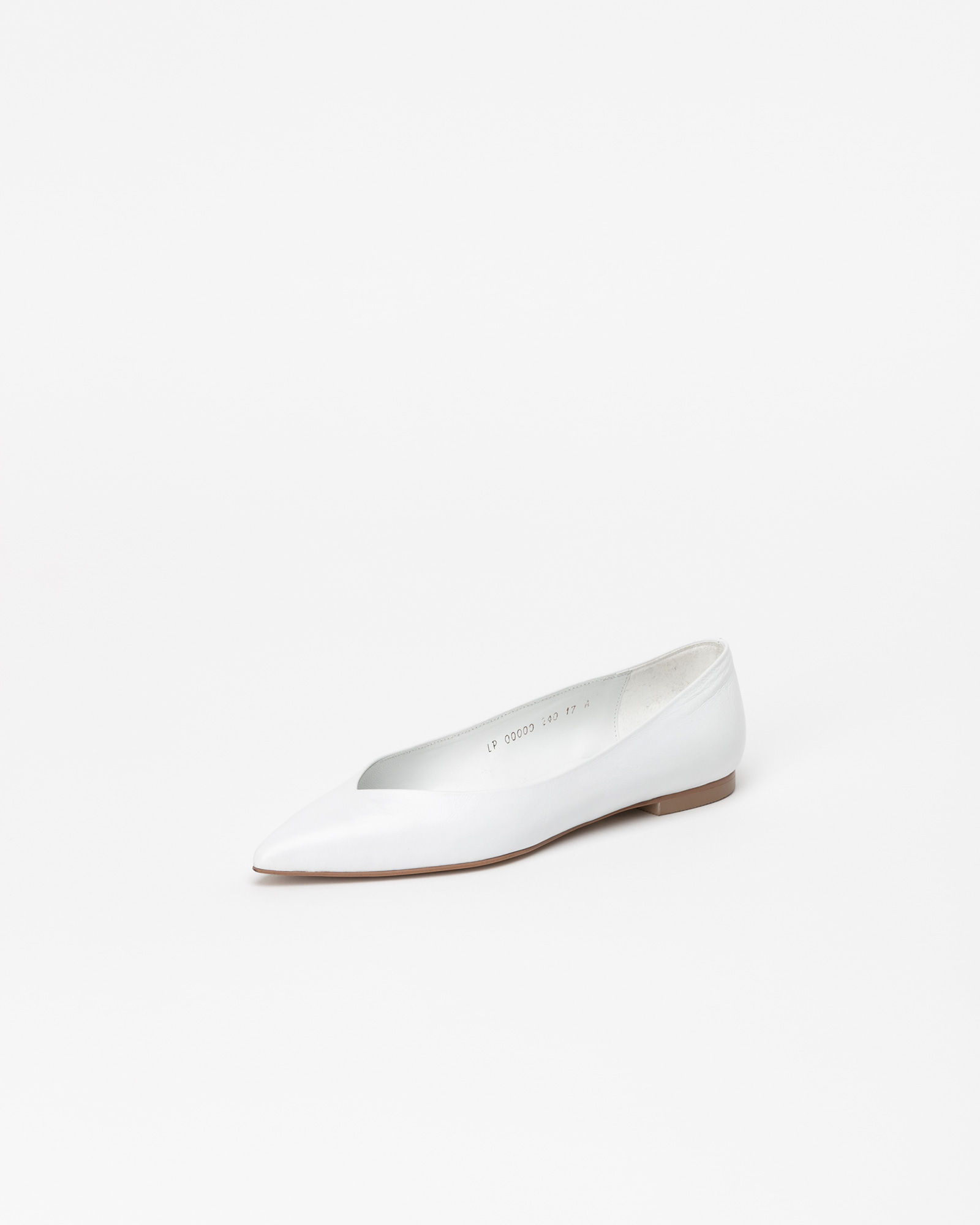Preta Flat Shoes in Wrinkled White